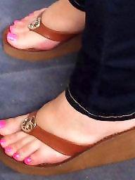 Ebony, Heels