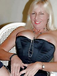 Milf, Unaware, Mature wife, Amateur, Milf mature