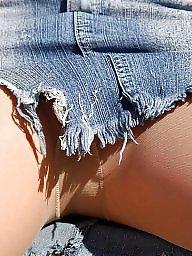 Upskirt, Public nudity