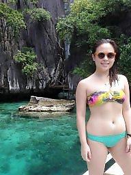 Toes, Bikini beach