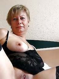 Moms, Mom boobs, Milf mom, Mature moms, Big matures, Big boobs mom