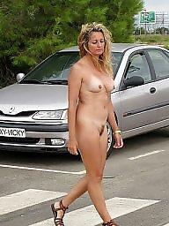 Naked, Teen public