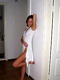 Posing, Hot blond