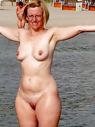 Public, Nudism