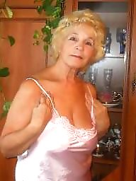 Cleavage, Mature granny