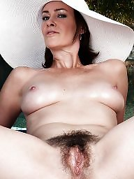 Mature mom, Amateur mature, Amateur moms