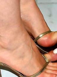 Feet, Mature feet, Mature brunette, Latin mature, Brunette mature