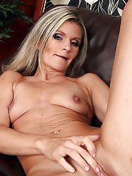Amateur mom, Amateur moms