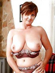Big nipples, Tits out