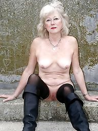 Granny, Grannies, Flashing, Mature flashing, Flash mature