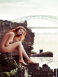 Public voyeur, Public nudity