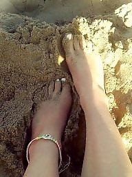 Feet, T girls
