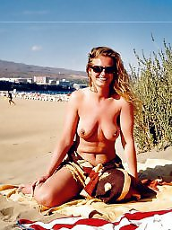 Milf flashing, Beach milf
