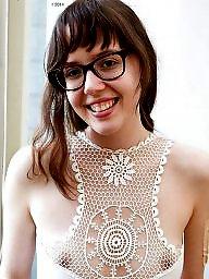 A bra, Voyeur tits