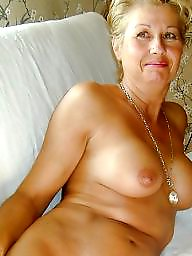 Moms, Milf mom, Amateur mom
