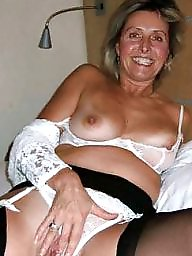 Mature mom, Mature moms, Amateur moms