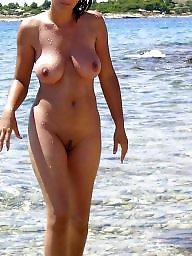 The public, Beach tits